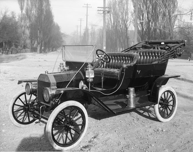 Henry_ford_1910Ford-T